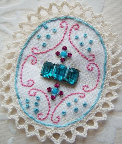 EmbroideryBrooch