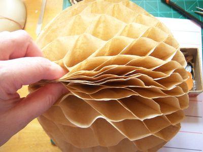 How to make honeycomb paper balls (36)