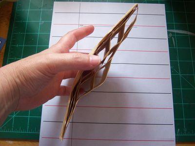 How to make honeycomb paper balls (14)