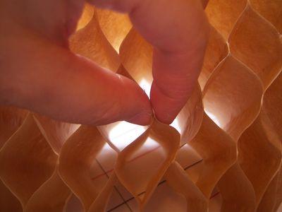 How to make honeycomb paper balls (30)