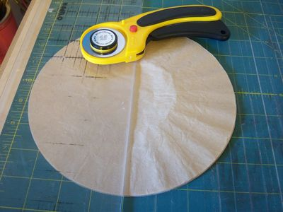 How to make honeycomb paper balls (7)