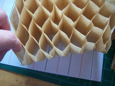 How to make honeycomb paper balls (22)