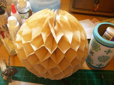 How to make honeycomb paper balls (38)