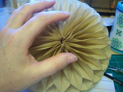 How to make honeycomb paper balls (53)